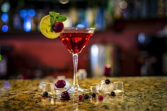 PINKYのブログで息子の愛流がパーティーに参加しお酒を飲む?